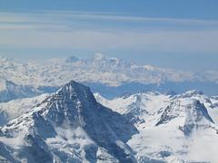 Přes Bietschorn máme na mušce masiv nejvyšší hory Alp – Mont Blancu.