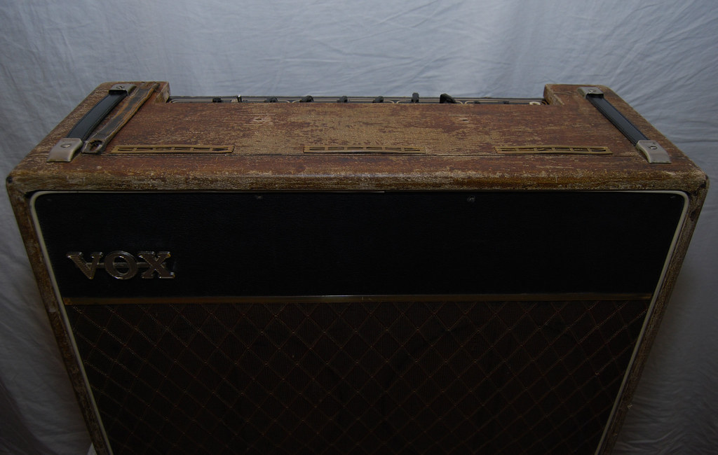 Vox AC30 Front02 | Brown lattice grill cloth and a one-piece