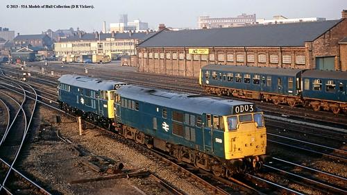 diesel britishrail doncaster 5819 5842 class31 brushtype2