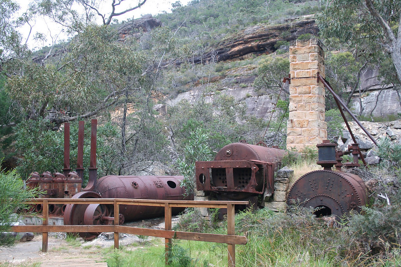 20091104_4627 old machinery at Heatherlie Quarry