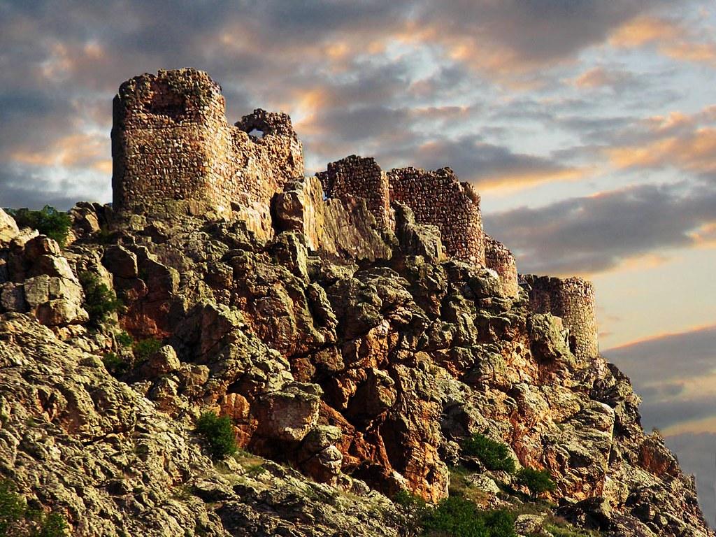 Tres Culturas: Castillo de Peñas Negras de Mora