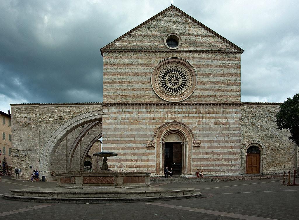 Assisi - Chiesa di Santa Chiara