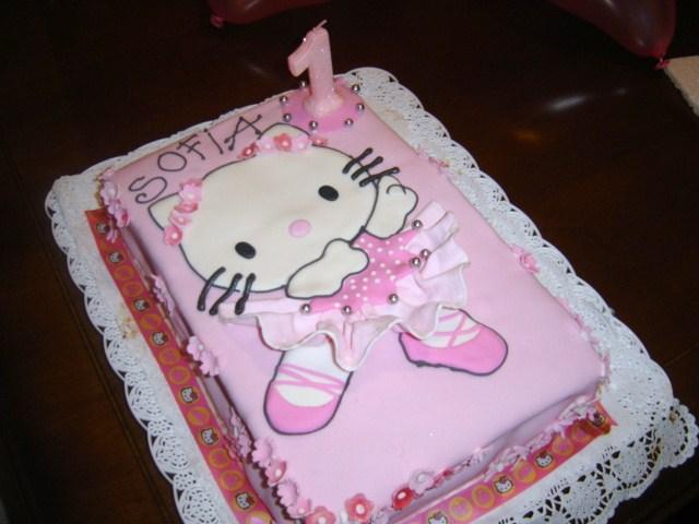 2327418ed Hello Kitty ballerina cake   sofiaycintia   Flickr