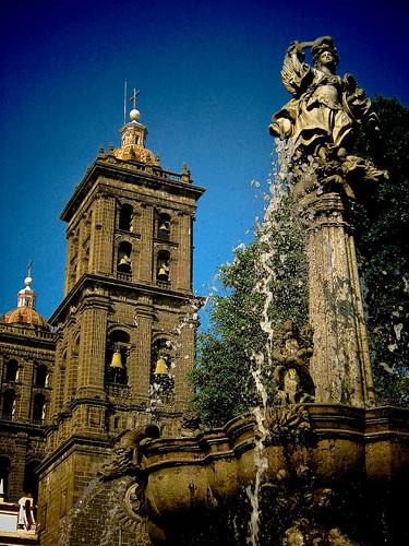 Catedral y Fuente (Puebla)
