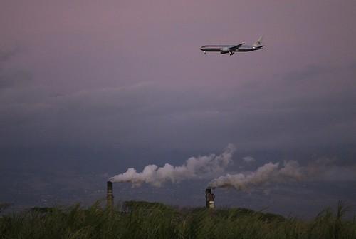 maui hawaii sugarmill smokestacks jet d200 105mm nikkor sunshine sunlight naturallight