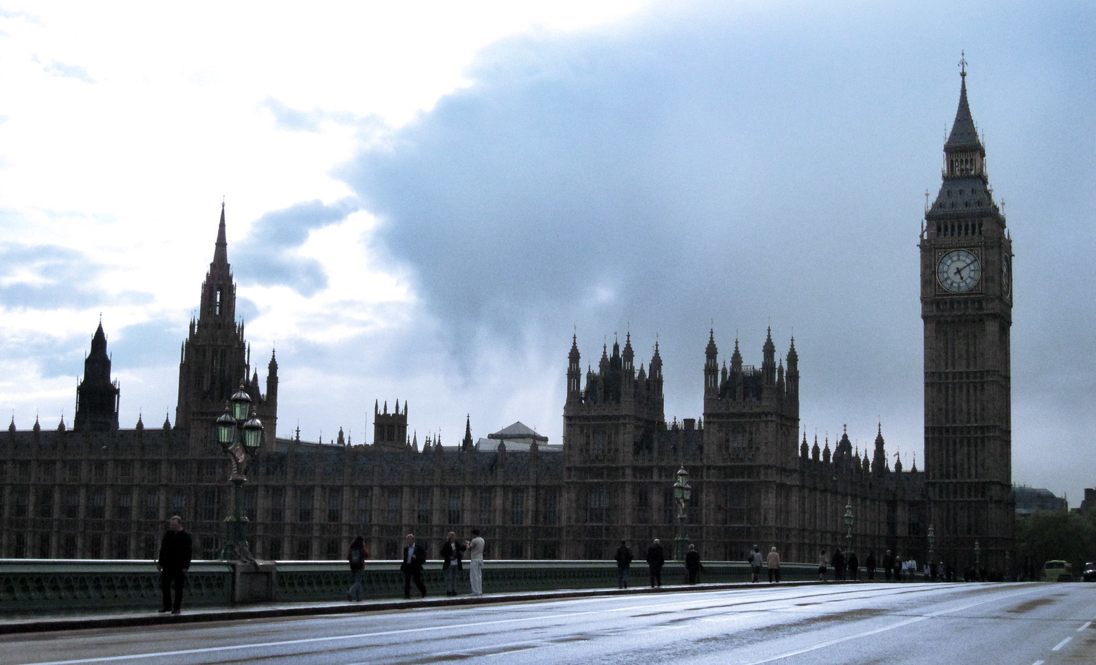 London 275