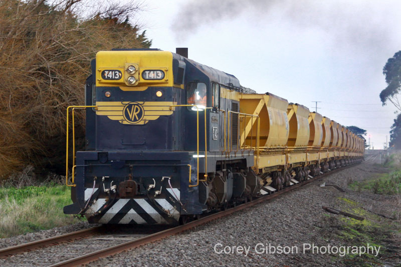 T413 leaving Camperdown by Corey Gibson