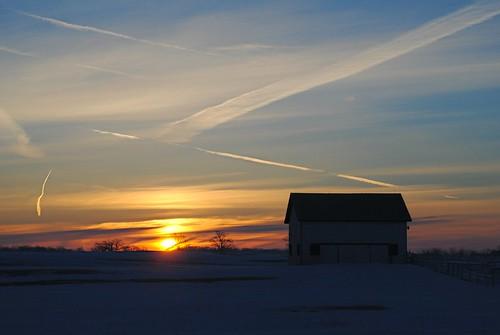 orange sun clouds barn sunrise illinois midwest russell farm il clear streaks lakecountyil