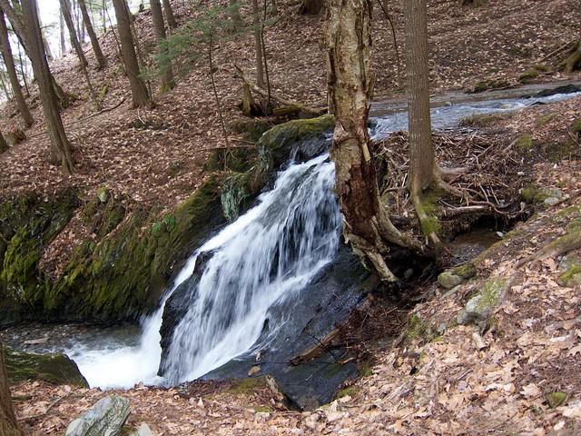 0:16:39 (47%): waterfall vermont hiking fairlee glenfalls glenfallsbrook