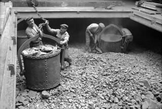 Discharging chromite at the Corporation Quay, Sunderland