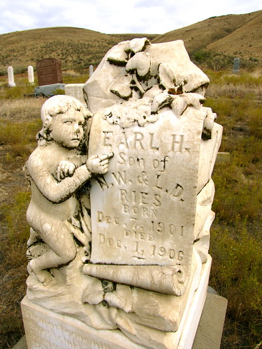 cemetery oregon arte remembrance gravemarker olex sculptura deadmantalking gilliamcounty earlries