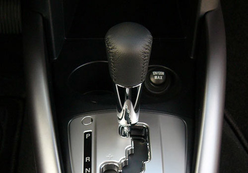 Mitsubishi Outlander Gear Shifter Interior Photo