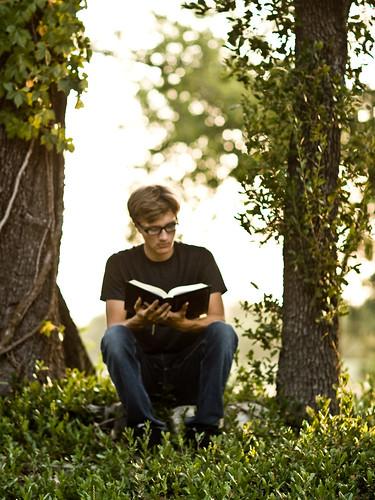 sunset selfportrait guy garden reading glasses book dusk 85mm courtyard blond f12 goldenlight wesleykirk