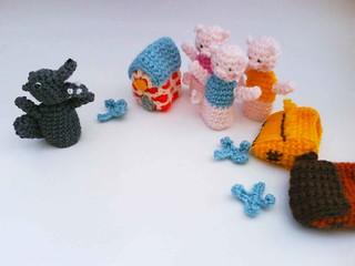 Elephant Crochet Patterns: Eyeglass Holder, Potholder, Panhandler ... | 240x320