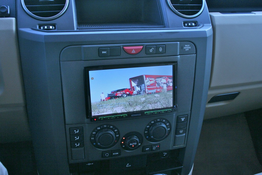 2006 LAND ROVER LR3 DVD | This was a poor rush job and did n