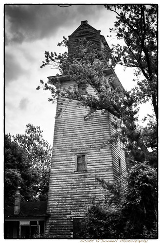 bw tower abandoned monochrome decay watertower weathered vulture peelingpaint weirdnj oceantownship joepalaiapark scottnj vulturestower
