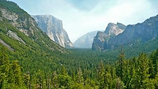 Yosemite Valley | by pellesten