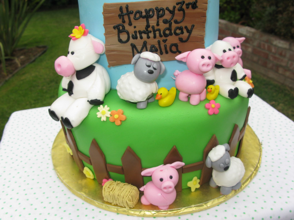 Farm Animal Cake Farm Animal Cake Farm Animals Up Close