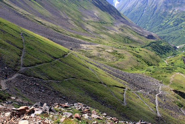 Switchbacks on the way to Crow Pass