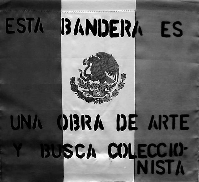 esta bandera es una obra de arte y busca coleccionista