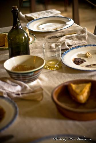 food fall glass table ma bottle nikon drink plate bowl napkins cloth 50mmf18 d80 oldesturbridgevillage