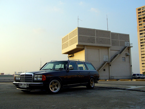 Mercedes Benz W123 280TE AMG - an album on Flickr