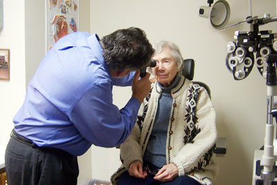 eye-exam-elderly