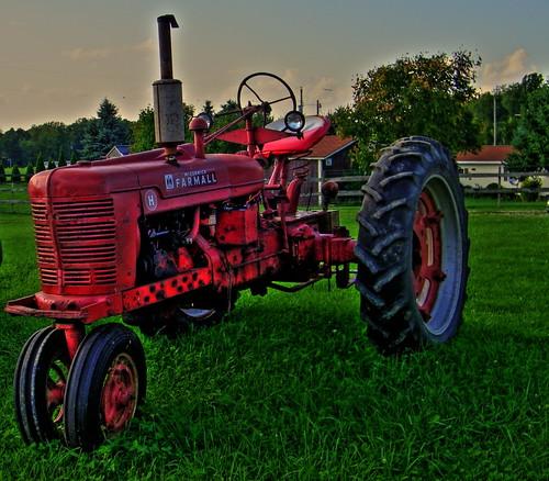 tractor farm hdr highdynamicrange farmall photomatix photomatixpro tonemapping farmallh