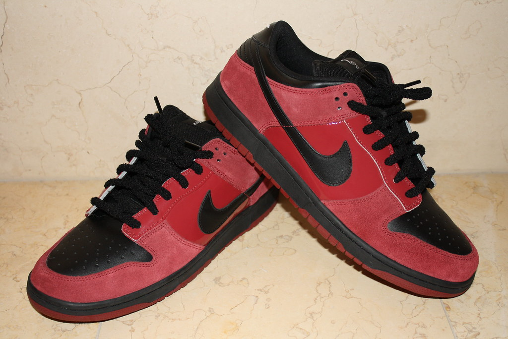 finest selection 6421b 38d19 Nike SB Dunk Low