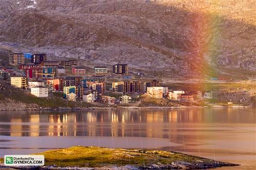 ocean city sunset mountain reflection water sunshine architecture buildings evening apartments shoreline shore