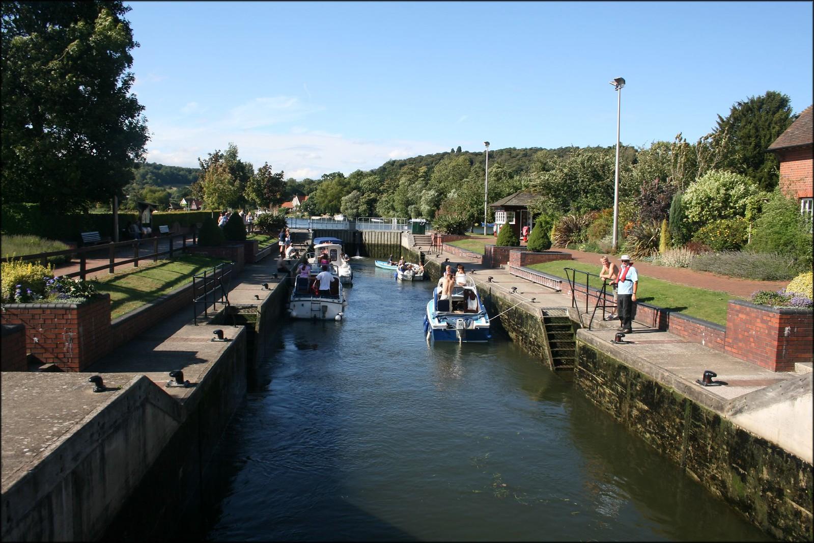 Hambleden Lock