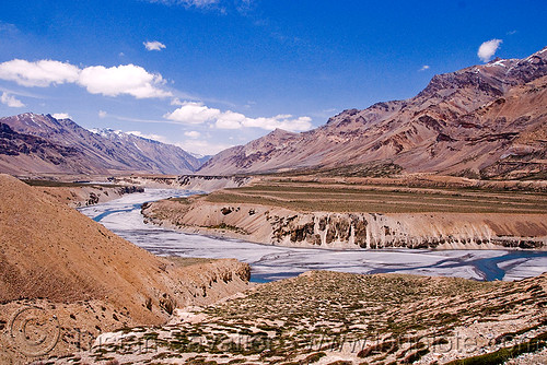 DSC11991 - Valley between Sarchu and Lachulung Pass - Manali to Leh road (India) | by loupiote (Old Skool) pro