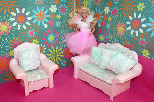Swell 1990 Home Pretty Barbie In 1987 Sweet Roses Sofa Bed Cha Bralicious Painted Fabric Chair Ideas Braliciousco