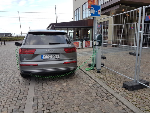 Audi Q7 E-tron | by Carblog.se
