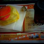 マクドナルド330瑞慶覧店 いまなら朝マックに間に合うと食後に気づき、慌てて到着。まず一息入れてから動くことにする。 - from Brightkite