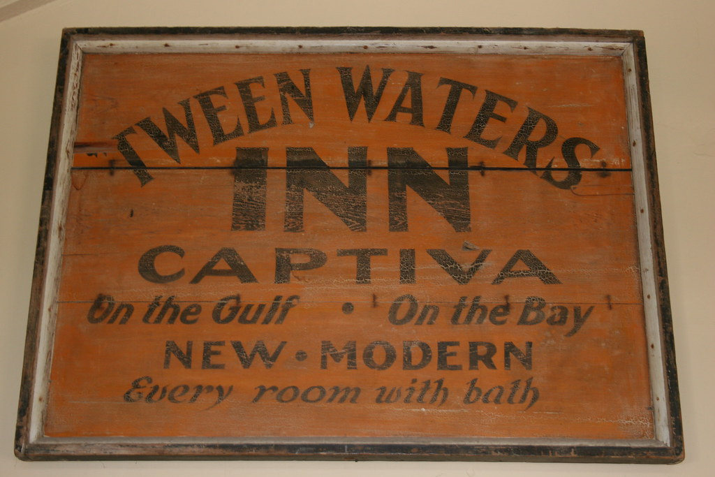 'Tween Waters Inn
