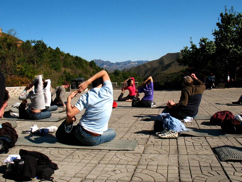 长城脚下的瑜伽课 20091003