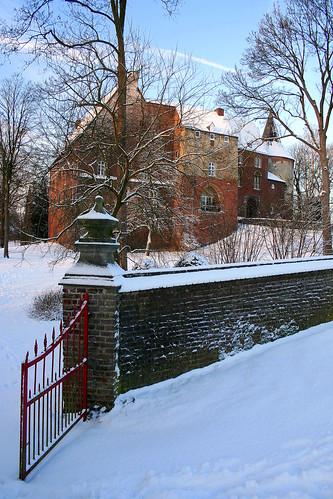 schnee winter snow castle netherlands sunrise sneeuw nederland horn schloss limburg niederlande kasteel zonsopkomst