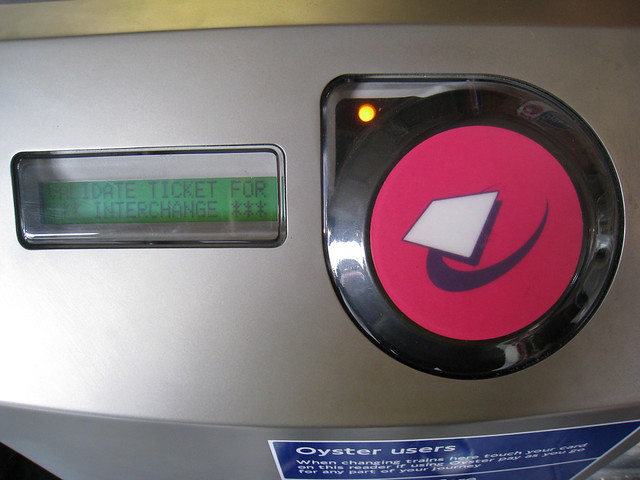 Pink Oyster Reader | National Rail interchange Oyster card r