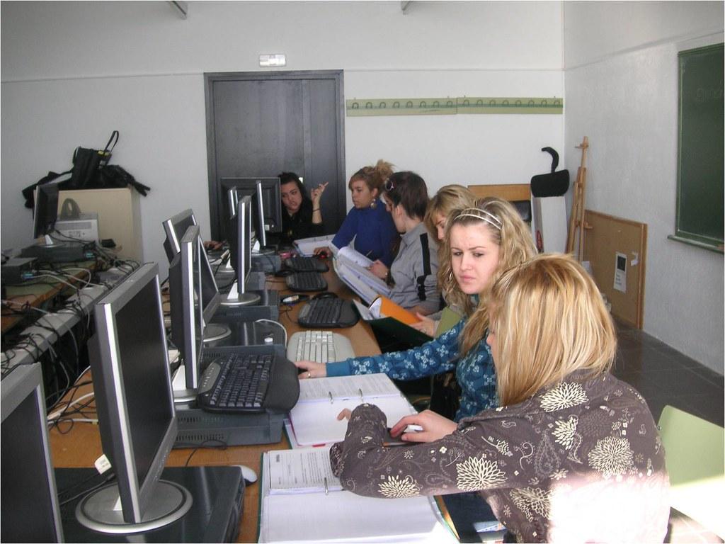 PTT Cambrils - Projecte Integrat 2009 - Auxiliar de vendes, oficina i atenció al públic - Els inicis del projecte - 1