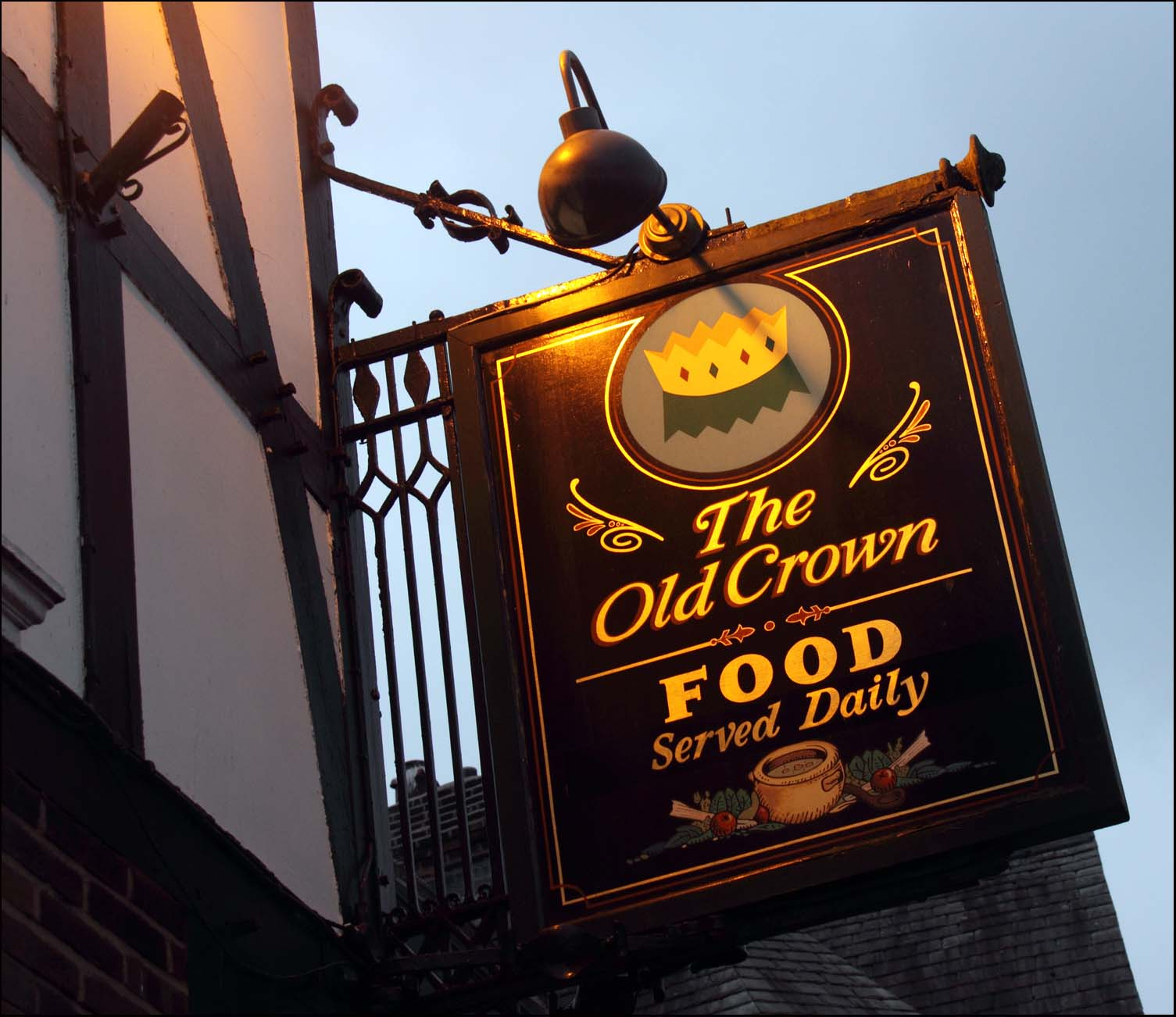 old,crown,pub,inn,public,house,street,Northwich,Cheshire,real,ale,keg,fizzy,lager,sticky,carpets,sign,closed,pubs,maxwells,maxwell,alehouse,old pub,old pubs,shut,CAMRA,UK,britain,great,England,main,shopping,365days,hotpix!