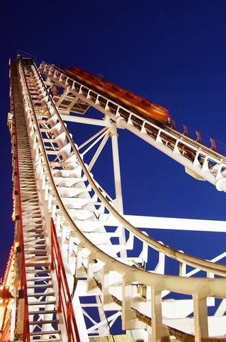 twilight maryland amusementpark rollercoaster oceancity tidalwave didireallyenjoytheseridesatonetimeorwasitallanacttobeacoolteenager