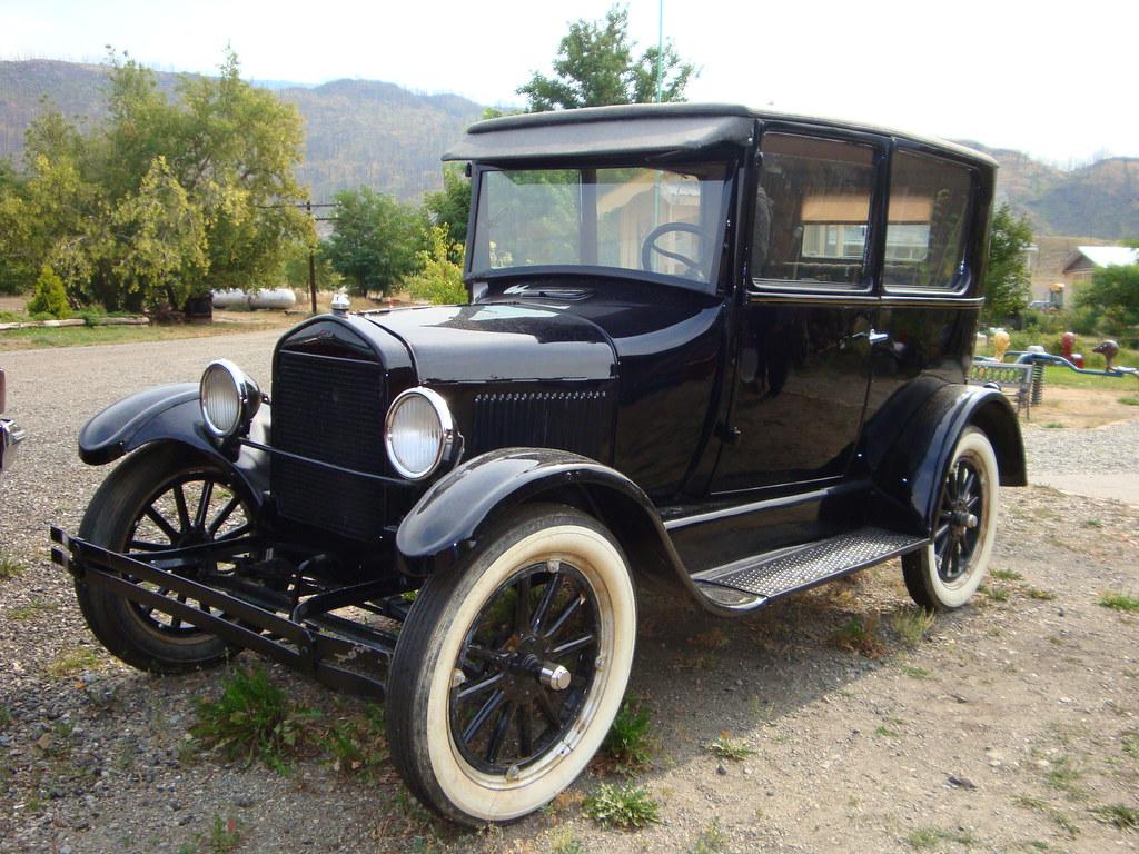 1926 ford model t sedan