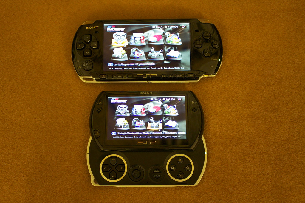 PSP Go and PSP 3000 Size proportion | Apple Lover | Flickr