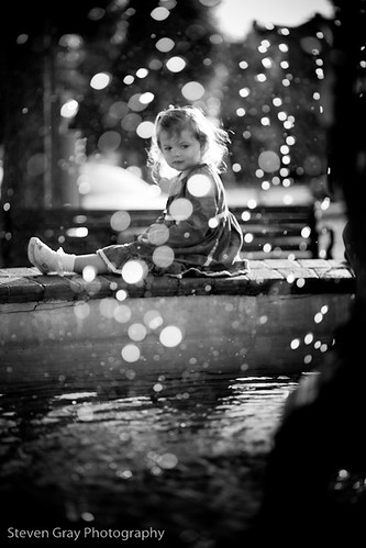 park blackandwhite bw white black art fountain girl monochrome canon droplets drops downtown dof artistic florida bokeh highcontrast seville explore adobe 5d fl shallow pensacola mkii lightroom potw explored