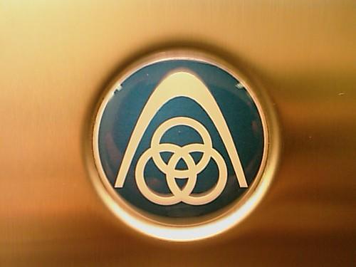 Odd elevator logo
