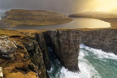 Leitisvatn, Faroe Islands | by Roman Popelar