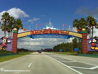 IMG00501-WDW-gates-on-the-road | by Erin *~*~*