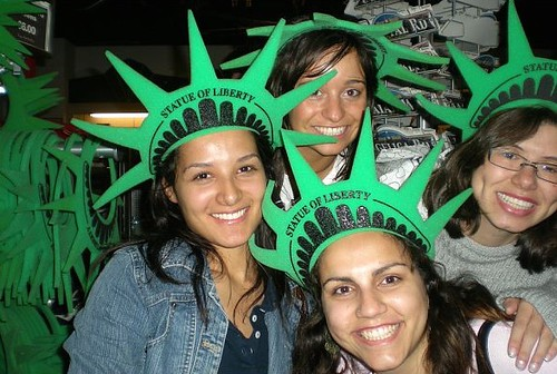 Au Pair USA: Statue of Liberty Hats | Au Pairs explore NYC d