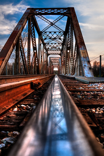 railroad bridge nikon rust track hdr 18200mm d90 valleypark